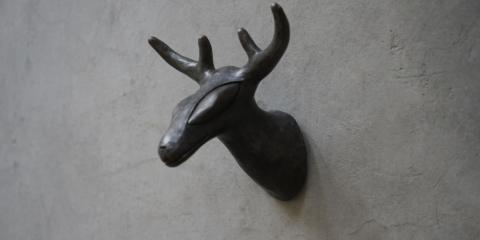 鹿与生_15cmx12x10cm_铸铜硝酸银着色_118_202008_003
